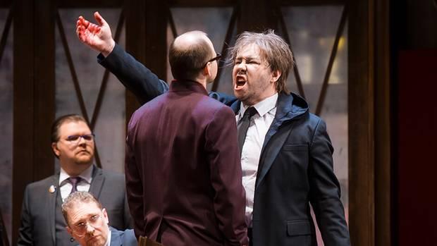 """In Wuppertal singt Lucia Lucas den Grafen von Monterone in Verdis """"Rigoletto"""""""