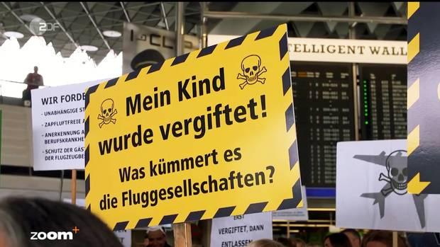 """Die ZDF-Sendung """"Zoom"""" ging der Frage nach: Wie gefährlich ist die Kabinenluft wirklich? Foto von einer Demonstration am Frankfurter Flughafen von Betroffenen."""