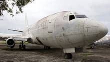 """Ja, sie ist es: Die """"Landshut"""", die im Deutschen Herbst entführt wurde, auf einem Flugfeld im brasilianischen Fortalezza. Sie wird aufgearbeitet und kommt ins Museum."""