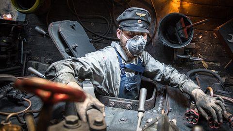Nostalgie: Männer, die Lokomotiven streicheln