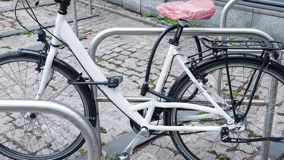 stiftung warentest diese fahrradschl sser sind gut. Black Bedroom Furniture Sets. Home Design Ideas