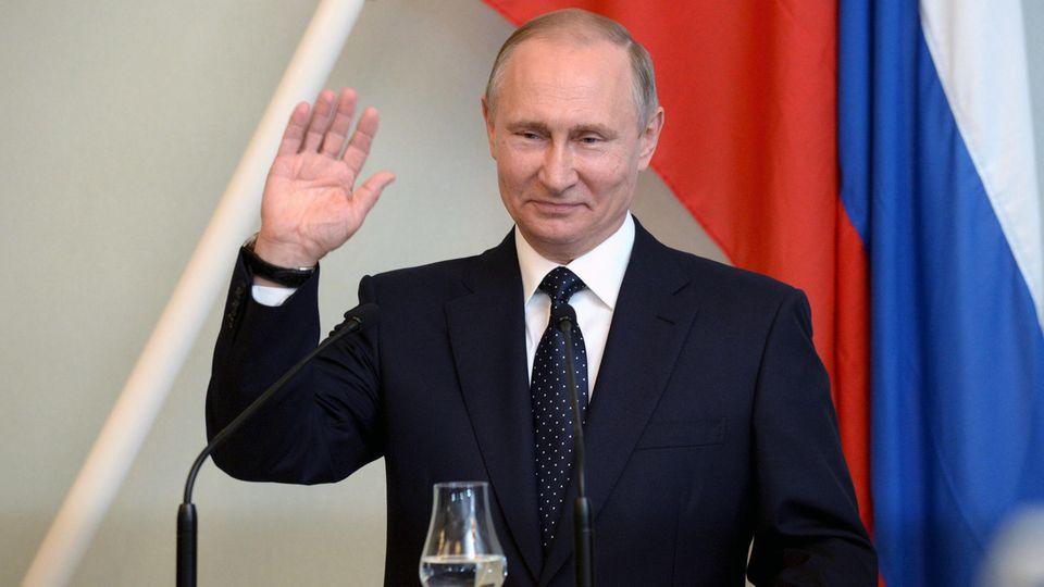 Wladimir Putin bei der Pressekonferenz in Finnland