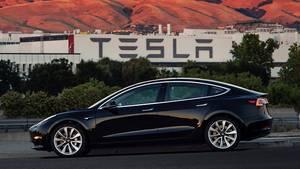 Das Tesla Model 3 ist 4,69 Meter lang
