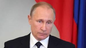 Der russische Präsident Wladimir Putin soll fast 800 US-Diplomaten aus Russland ausgewiesen haben