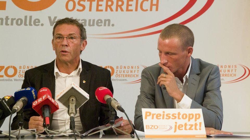 Jörg Haider und Stefan Petzner auf einer Pressekonferenz des BZÖ