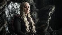 Drachenmutter Daenerys Targaryen sieht sich als die wahre Herrscherin der sieben Königreiche - doch hat sie gegen Cersei eine Chance?