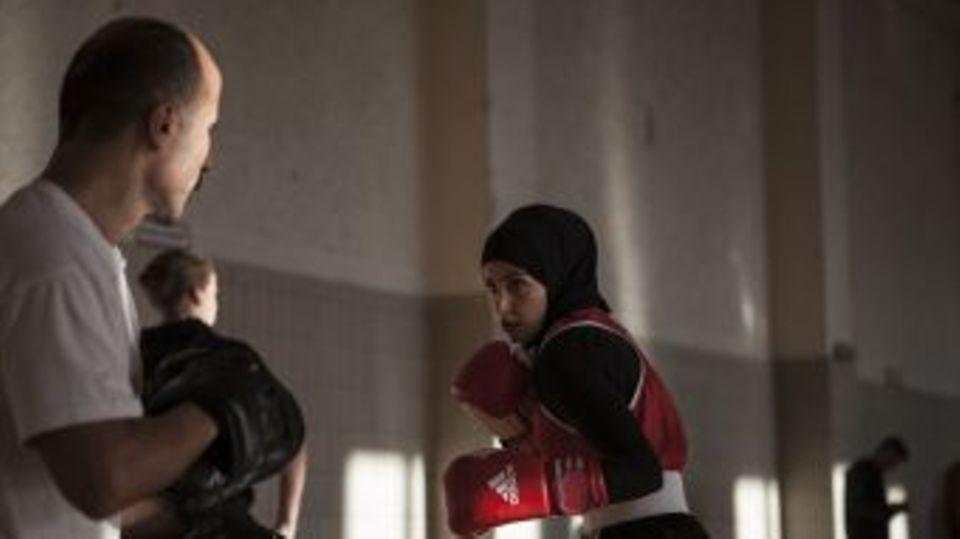 Bereits nach dem ersten Besuch einer Berliner Trainingshalle waren für den Teenager sämtliche Zweifel verflogen: Sie wollte boxen