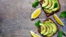 So hübsch sehen Avocado-Scheiben auf Brot aus - wenn man die Avocado richtig schneidet