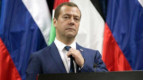 """US-Sanktionen gegen Russland: Der russische Ministerpräsident Dmitri Medwedew spricht von einem """"Handelskrieg""""."""