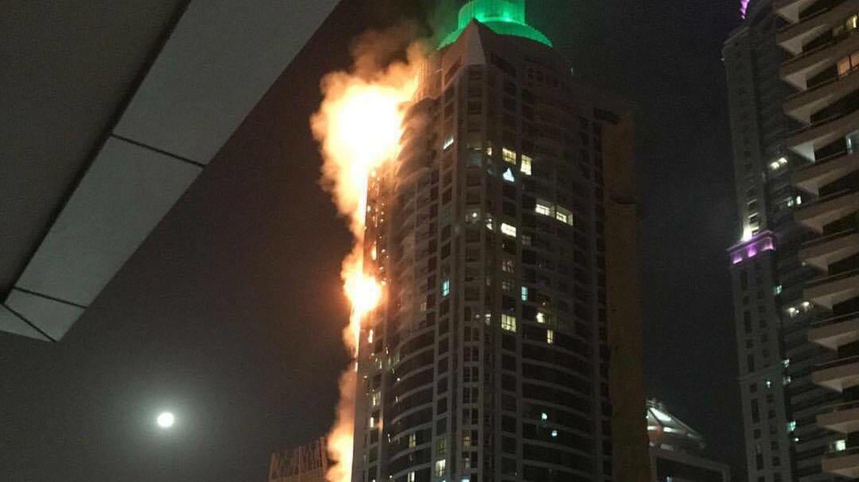 """Wolkenkratzer """"The Torch"""" in Dubai brennt"""