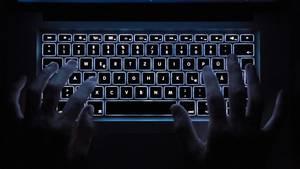 Angeblich sollte die junge Frau für eine Community im Darknet als Sexsklavin verlauft werden (Symbolbild).
