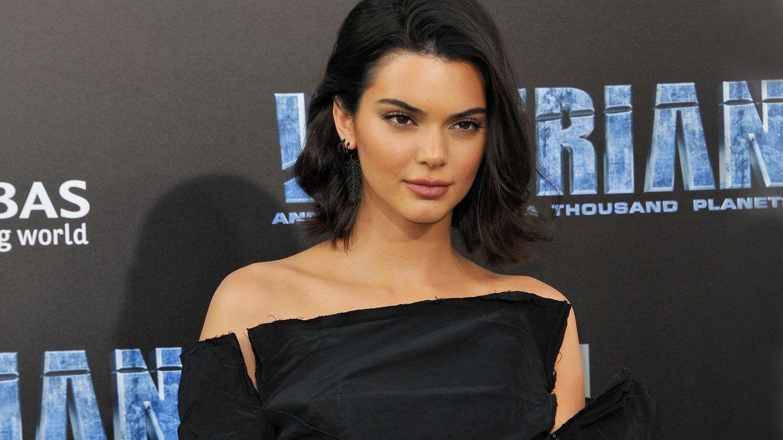 Kendall Jenner posiert für die Fotografen