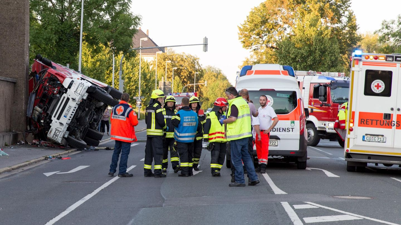 Coburg: Feuerwehrmann stirbt bei Verkehrsunfall - am Steuer saß sein Vater