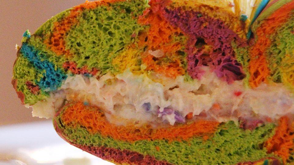 Das ist ein Rainbow-Bagel – New Yorker Restaurantkritiker raten davon ab