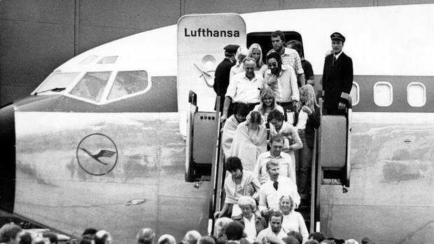 Ankunft der befreiten Geiseln in Frankfurt im Oktober 1977