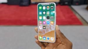 Ein Dummy, gefertigt nach aktuellen Gerüchten: Sieht so das iPhone 8 aus?
