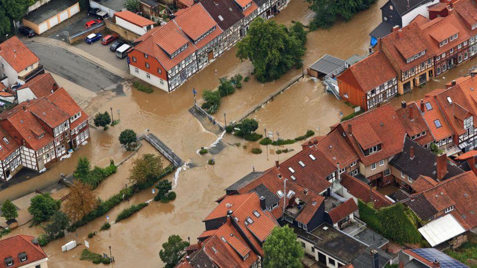 Hildesheim, Niedersachsen: Der Fluss Innerste hat auch hier längst sein Bett verlassen