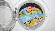 Waschmaschine: Wie kommt der graue Schlamm in die Trommel?
