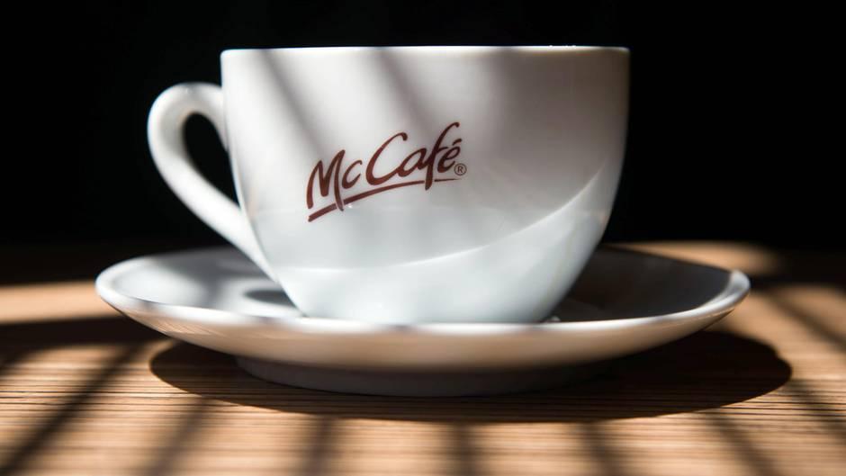 McDonald's setzt künftig bei Heißgetränken verstärkt auf Porzellangeschirr statt Wegwerfverpackungen