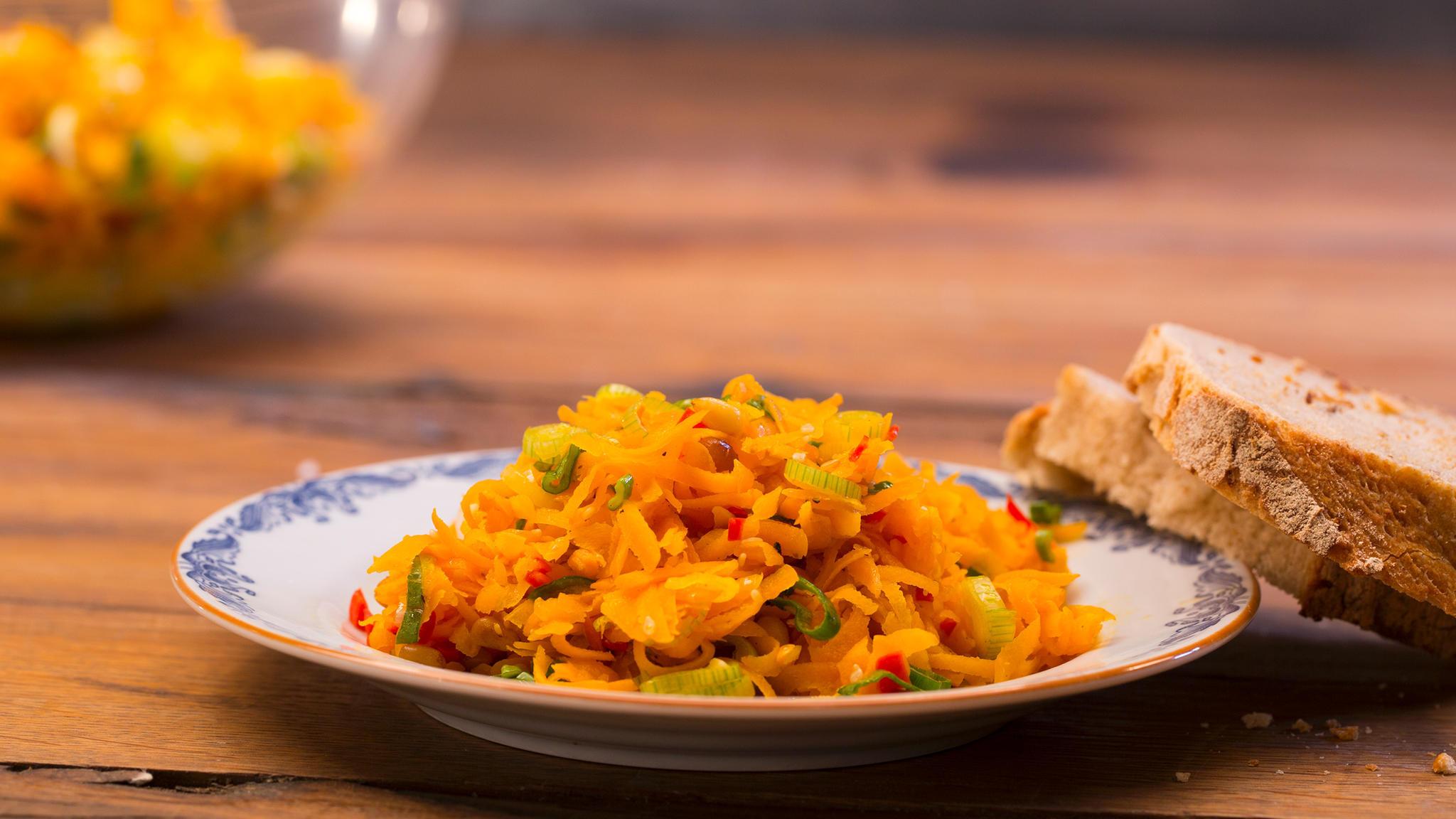 Bayerische Sommerküche : Rezept für pikanten möhrensalat stern.de
