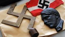 Hakenkreuze, SS-Propaganda, Waffen: der brisante Nachlass eines verstorbenen Neonazis