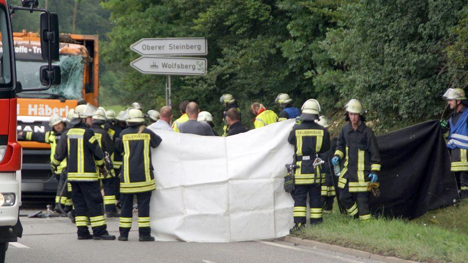 Nagold: Müllwagen kippt um und tötet fünf Menschen