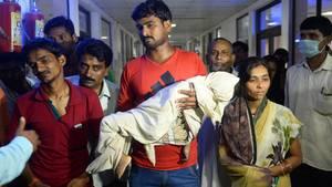 Indien: Krankenhaus geht Sauerstoff aus - Dutzende Kinder sterben