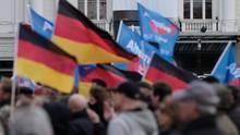 Alternative für Deutschland: Verunsicherte Arbeiter wählen eher AfD laut Studie