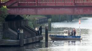 Am Vormittag hatte die Polizei nach Leichenteilen gesucht, jetzt fand ein Spaziergänger in Hamburg einen abgetrennten Kopf