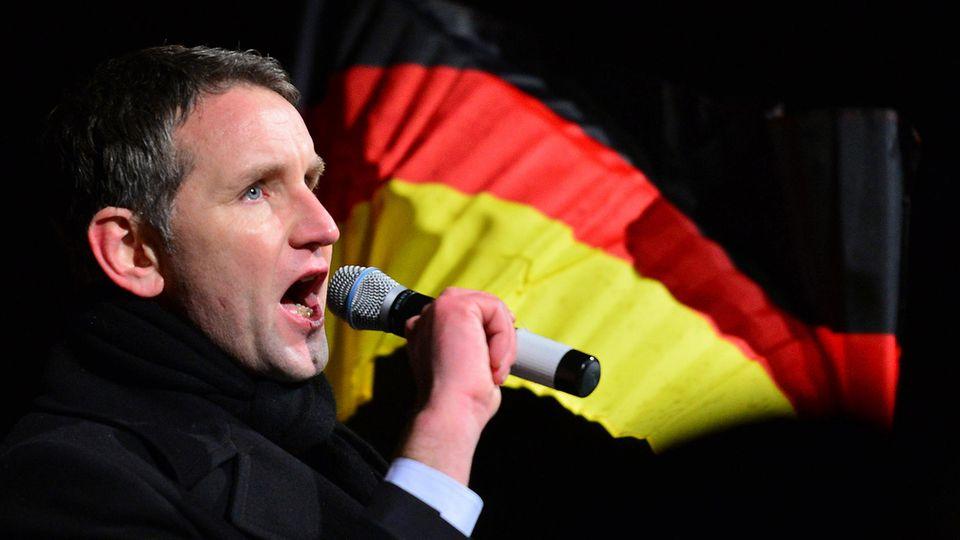 Zahm im Landesparlament, angriffslustig unter Gleichgesinnten: der Thüringer AfD-Fraktionschef Björn Höcke