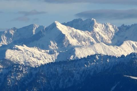 Nachrichten aus Deutschland: Zwei Männer stürzen in den Alpen in den Tod