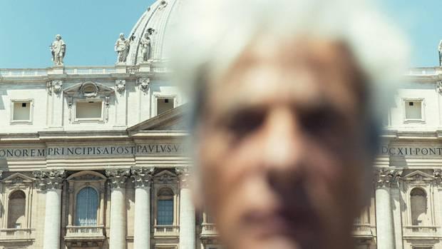 Pietro Orlandi, Emanuelas Bruder, auf dem Petersplatz