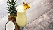 Der perfekte Sommerdrink? Nicht ganz, denn mit 68 Gramm Zucker pro Cocktail, sollten Sie vorsichtig sein. Kokosnusscreme, Ananassaft und Rum machen die Piña Colada zur Zuckerbombe.