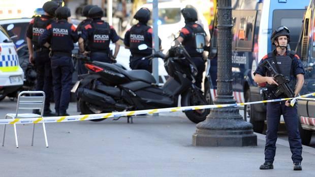 In Barcelona sind schwer bewaffnete Sicherheitskräfte unterwegs