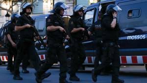 Barcelona: Spanische Polizisten im Einsatz nach dem Terroranschlag