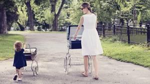 Der Schein trügt: Der Nannyjob im Reichenhaushalt ist oft alles andere als entspannt (Symbolbild)