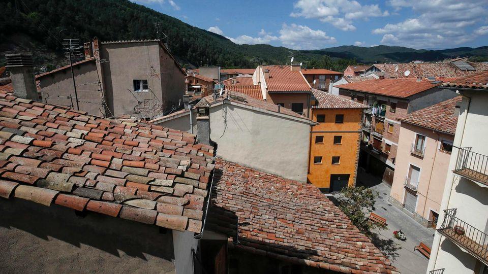 Terror in Barcelona: Ein Blick aus dem Haus des gesuchten Imam Abdelkadi Es Satty zeigt den spanischen Ort Ripoll.