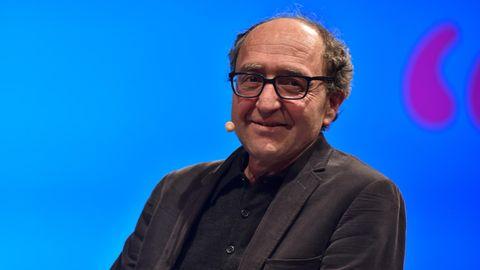 Schriftsteller Dogan Akhanli liest einem internationalen Literaturfest in Köln