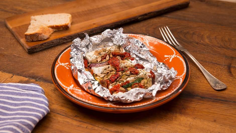 Rezeptidee: Diese Gemüse-Feta-Päckchen sind der Hit auf der nächsten Grillparty