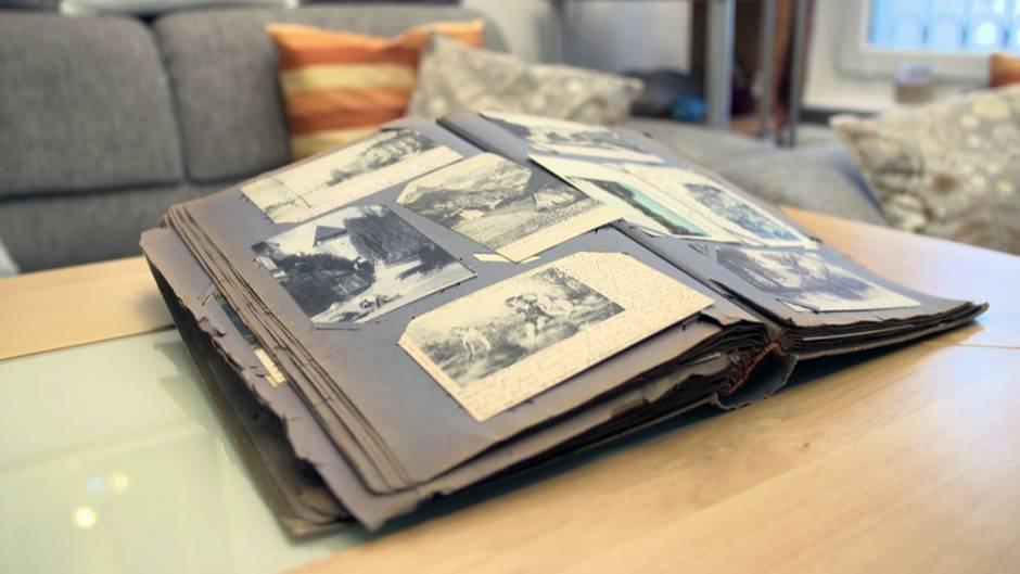 Ein Leben in Postkarten: das antike Album mit 413 Karten, adressiert an eine gewisse Clara Heidenreich.
