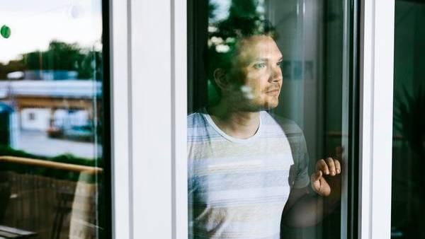 """Oliver Wolschke blickt auf sein Leben als Zeuge Jehovas zurück. Heute staunt der 32-jährige Verlagsangestellte, wie er """"zum Sklaven dieser Ideologie"""" wurde"""