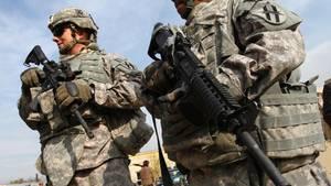 US-Soldaten in Afghanistan - Donald Trump lässt die US-Armee dort