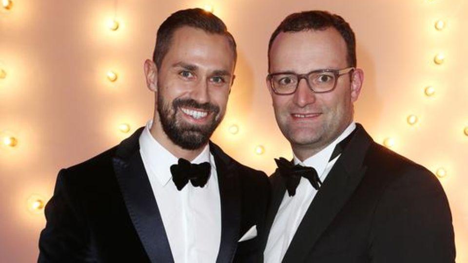 Party-People: Jens Spahn und sein Lebenspartner Daniel Funke hätten gern ein Kind