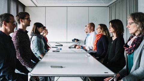 Stress lass nach: SAP organisiert Angestellten Meditation im Büro