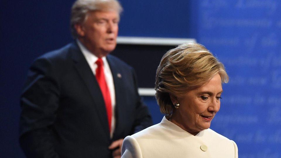 """Hillary Clinton rechnet in neuem Buch mit dem """"Widerling"""" Donald Trump ab"""