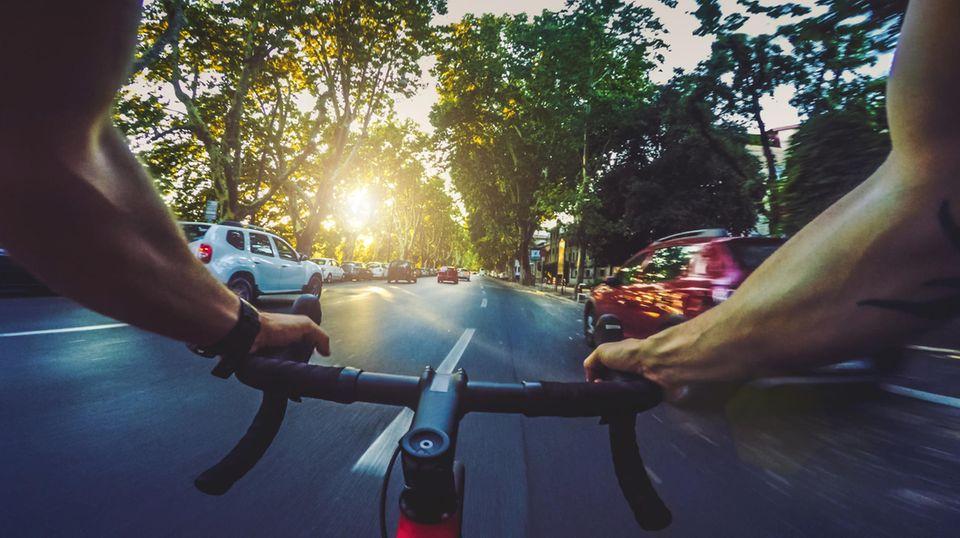 Charlie A. war mit einem reinen Sportrad auf der Straße unterwegs (Symbolbild).
