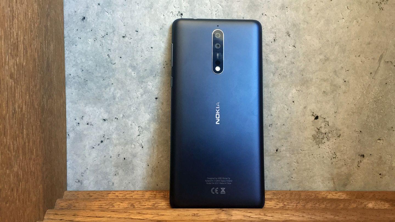 Die Rückseite des Nokia 8