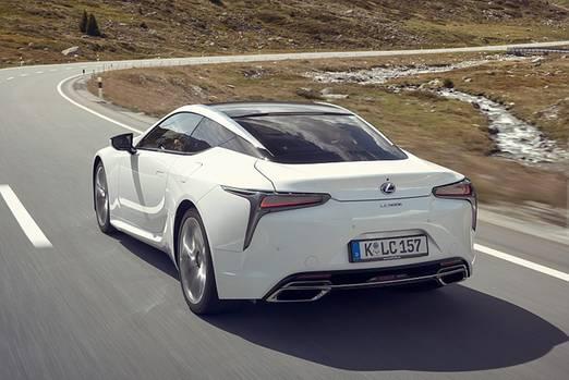 Das Coupé tritt gegen den 6er BMW und den Maserati GT an
