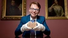 Der Mathematiker Daniel Mansfield glaubt das Rätsel um die 3700 Jahre alte Tontafel gelöst zu haben.