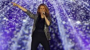 So schlagfertig lässt Celine Dion einen Journalisten abblitzen